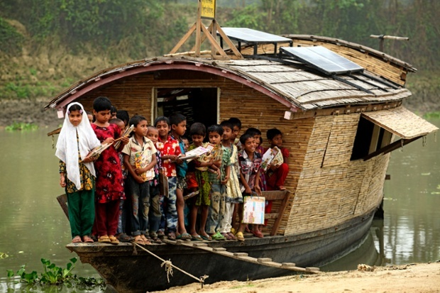 Floating school rooms (Image: Shidhulai Swanirvar Sangstha).