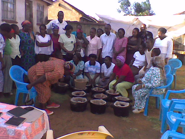 Youth volunteers from the cook stove project in Kenya, aged between 18 and 32 years, have already trained around 16,000 local women, on the benefits of the new cook stoves and how to install them in their homes (Image: UNEP).